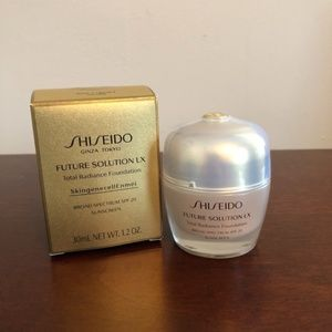 SHISEIDO Total Radiance - Golden 3